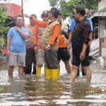 Tinjau Kondisi Genangan Air Pasca Banjir, Wakil Walikota Tegal Intruksikan Cek Kesehatan Warga