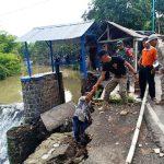 Pintu Air Bendungan Duta Sungai Laren Terancam Longsor