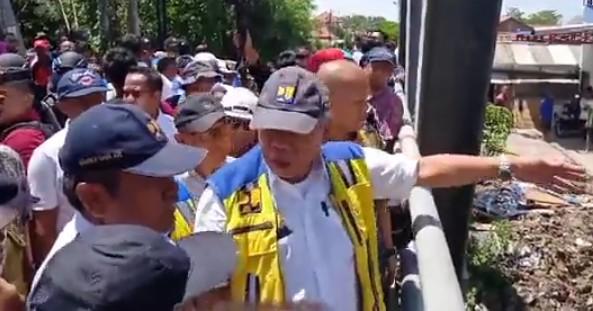 Menteri PUPR Basoeki Tinjau Kondisi Sungai Babakan Ketanggungan Brebes