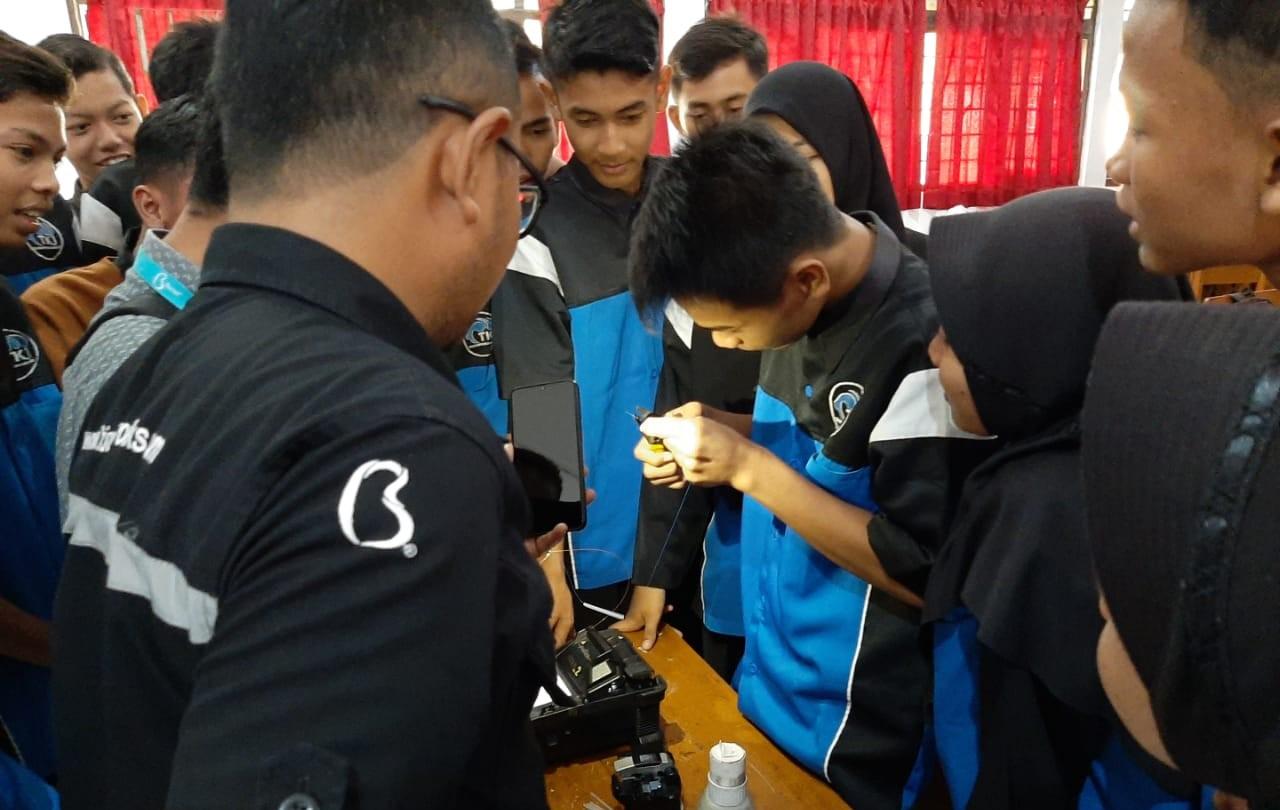 Perusahaan Provider Internet Terkemuka, Biznet Goes To School SMKN 2 Pekalongan