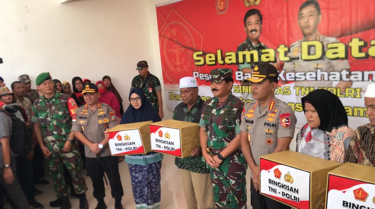 Panglima TNI dan Kapolri Hadiri Bakti Sosial di Pulau Galang Riau