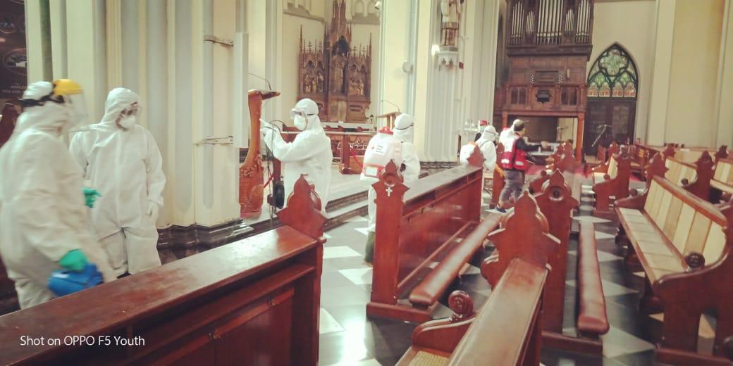 Dandim 0501/ Jakarta Pusat Pimpin Sterilisasi dengan Disinfektan di Katedral