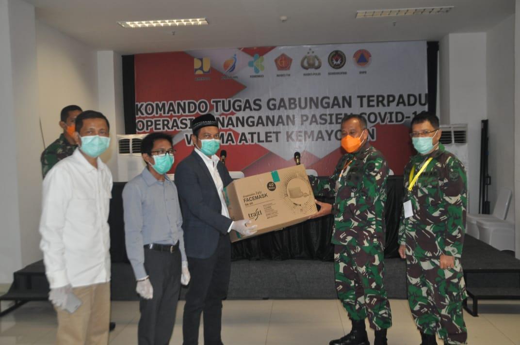Kasdam Jaya Terima Bantuan 10.000 Masker Bedah Tiga Ply