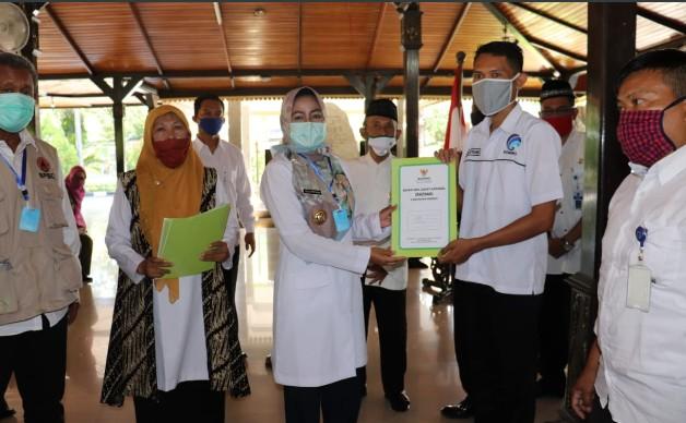 BAZNAS Brebes Distribusikan Masker dan Kesra Tenaga Harian Lepas