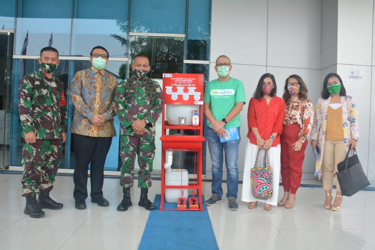 PT Unilever Indonesia Tbk Donasikan 385 Fasilitas Cuci Tangan Portable
