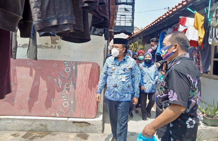 Susuri Gang Sempit, Wakil Walikota Tegal Sambangi Lansia