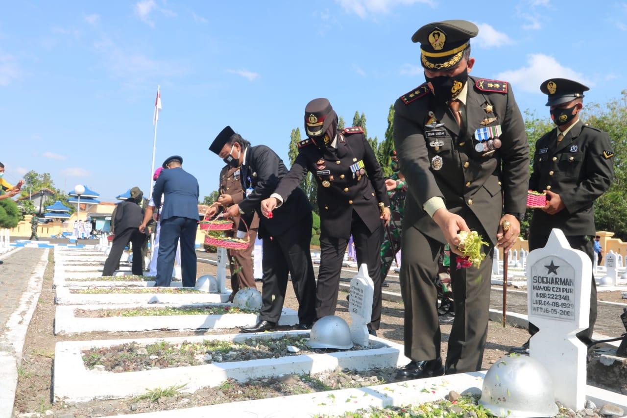 Jelang HUT Ke 75 TNI, Wawalkot Tegal Ajak Generasi Muda Tidak Melupakan Sejarah