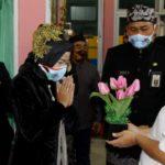 Bunga Untuk Nakes di Hari Jadi Ke 343 Kabupaten Brebes